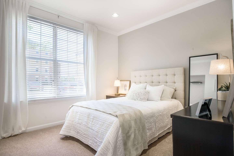 https://www.apartmentsathamiltonstation.com