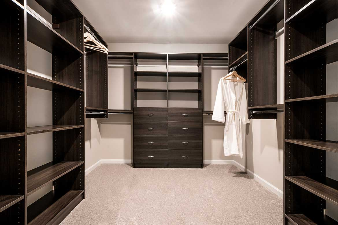 The Crossings at Hamilton Station Walk-In Closet